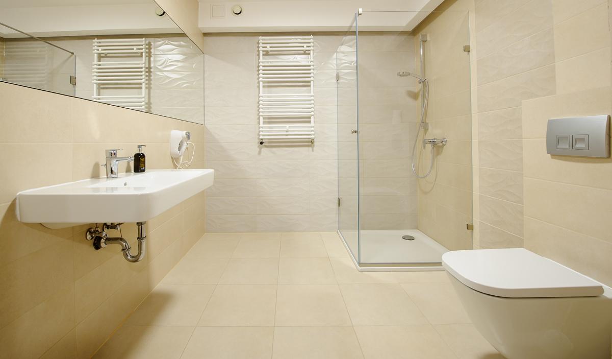 łazienka w pokoju typu DeLuxe